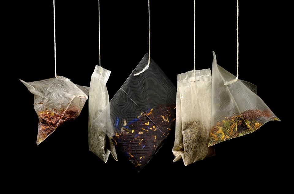 Non buttare le bustine del té, ecco 3 cose che puoi fare con esse!