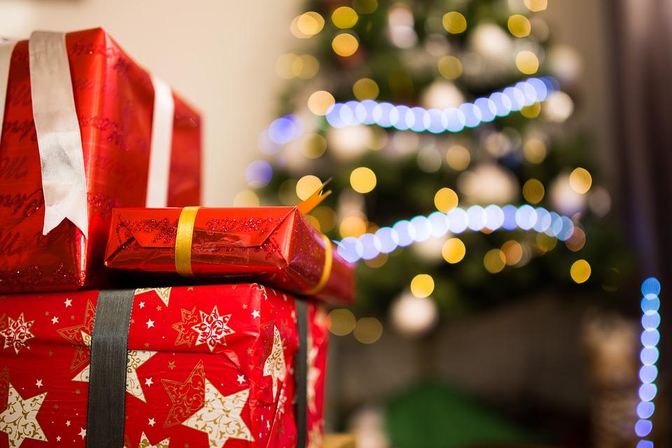 Perché santa Lucia porta i regali ai bambini?